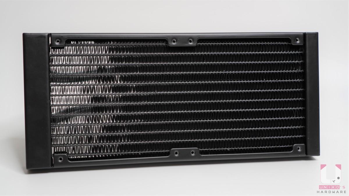 鋁製冷排,尺寸 277 x 120 x 27 mm。
