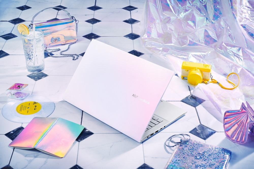 ASUS VivoBook S14 (S433) 不只外型搶眼受矚目,效能同樣令人激賞,第二季上市以來熱銷好評不斷。