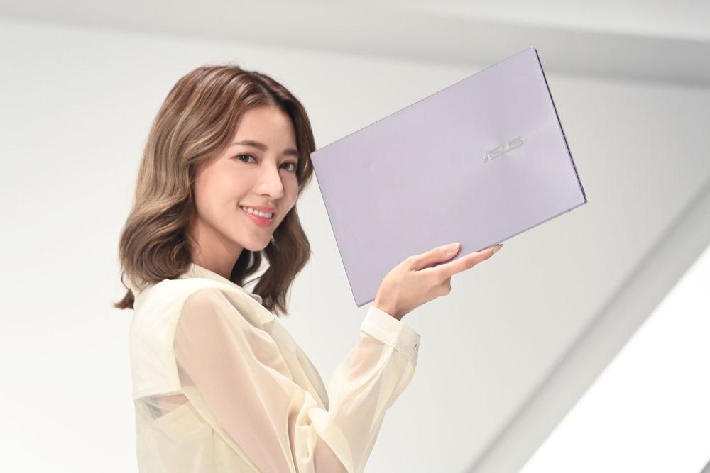 ASUS ZenBook (UX425) 以兼具實用效能與美型外觀受到好評,持續熱銷!
