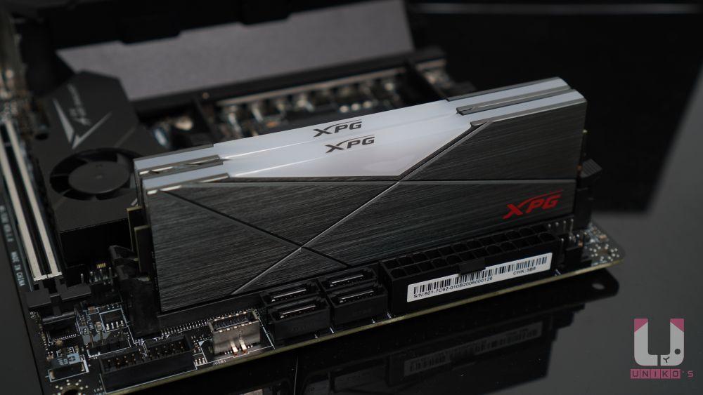 SPECTRIX D50 的身高約 40mm,外觀設計也比較平整,不會妨礙散熱器安裝。
