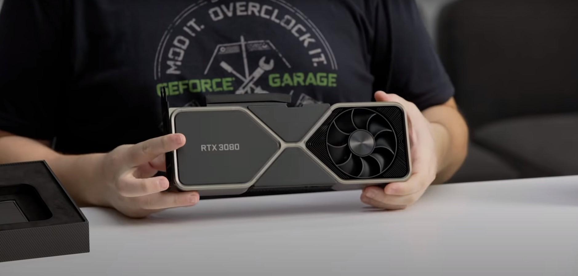 NVIDIA GeForce RTX 3080 Founders Edition 背面外觀。