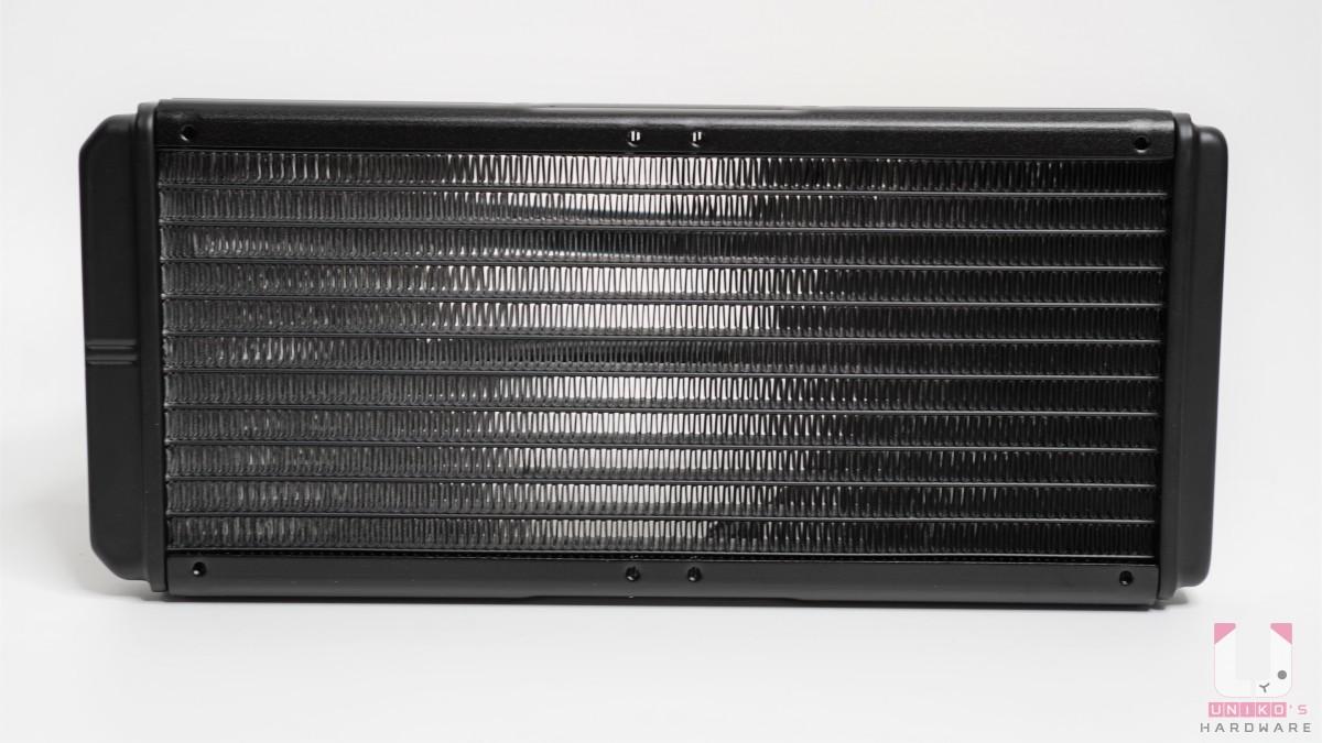 鋁製冷排,尺寸 274 x 120 x 27 mm。