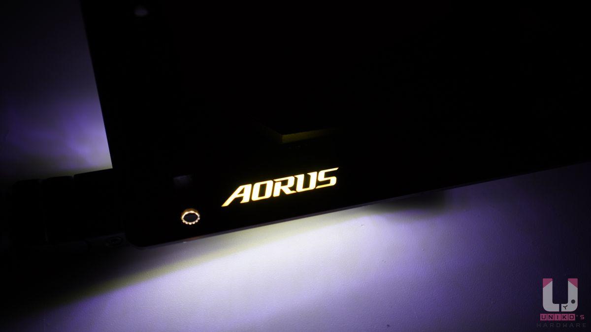 主機板唯一的 RGB 效果。