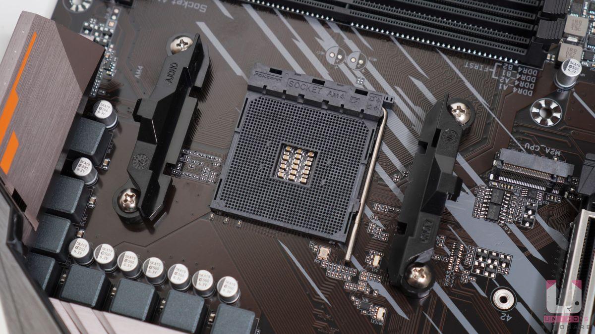 AMD AM4 插槽支援第三代 Zen2 架構 Ryzen 處理器、新一代 Zen2 架構 Ryzen 內建 Radeon 繪圖顯示 APU 處理器。例如支援 APU R7 4750G,不支援 APU R5 3400G、R3 3200G。