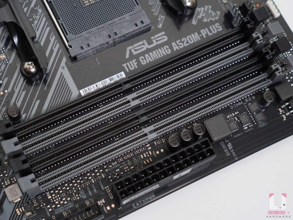 4 x DIMM,雙通道最高可支援到 128GB,超頻最高可以 DDR4 4800,ECC Memory 看處理器支援。