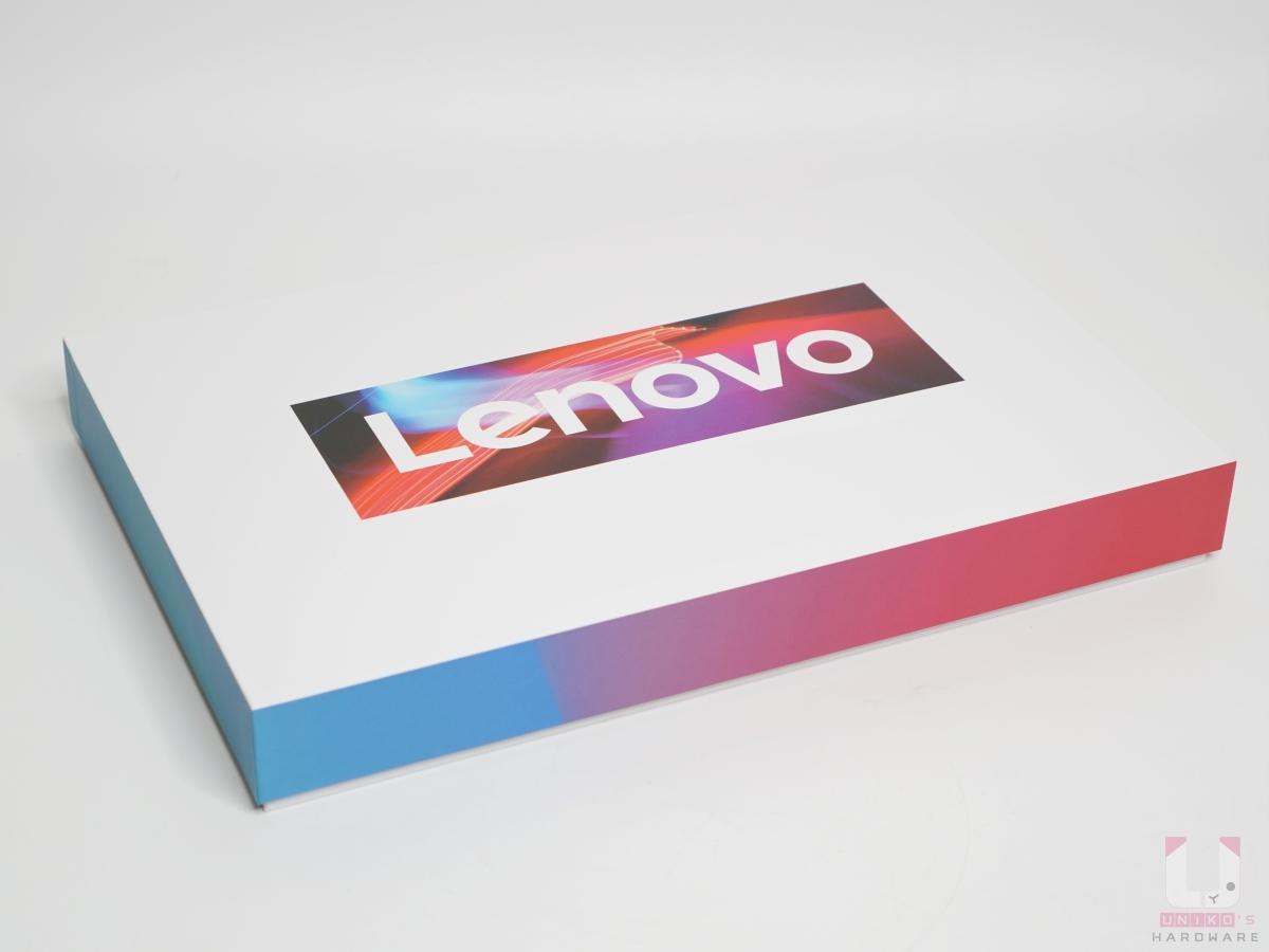 Lenovo IdeaPad 包裝活潑可愛,變壓器包在外箱中另外的盒子裡。