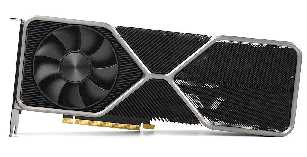 GeForce RTX 3080 創始版尺寸為 28.5cm x 11.2cm x 4cm,採用 Dual Slot、雙風扇散熱器,頂端 GeForce RTX 字樣在運作時會透出白色 LED 燈效,相較上次瓦斯爐外觀,這次增添更多科幻質感。