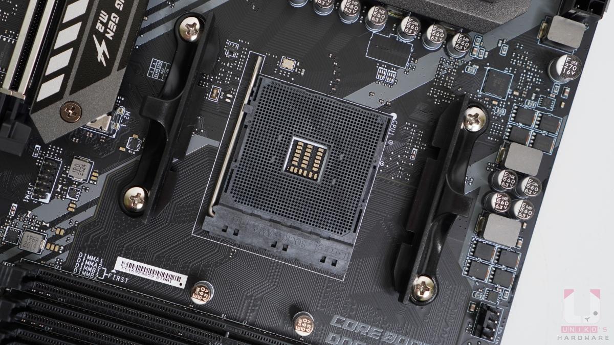 支援 AMD Ryzen 3000 系列處理器 (Zen2 架構),通過後續升級 BIOS 後可支援未來新的 AMD Ryzen 處理器。