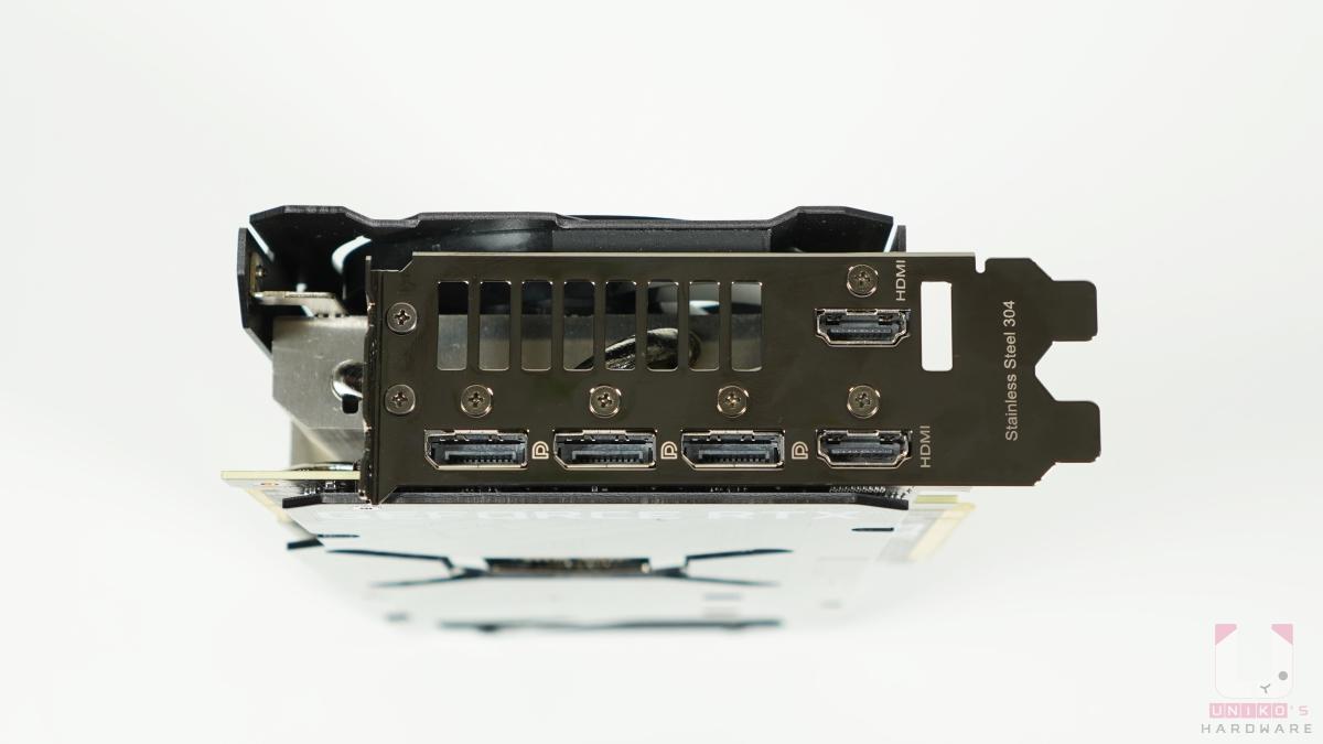 兩組 HDMI 2.1、三組 DisplayPort 1.4a,數位最高解析度 7680 x 4320,材質為 304 不鏽鋼。