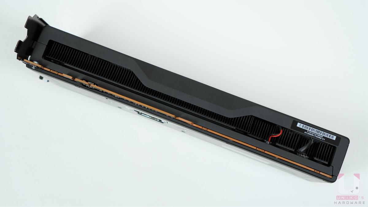 Radeon RX 6800 底部。