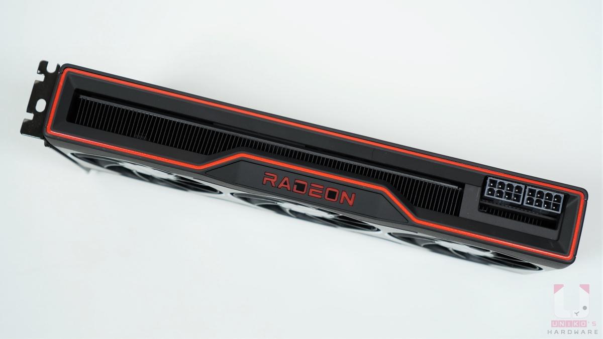 2 Slots 設計,顯示卡電源連接器是 8pin X 2,最大額定功率是 250W。