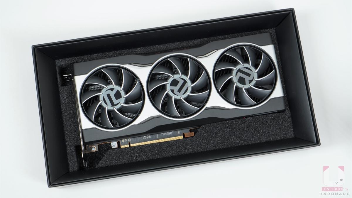 黑色緩衝物保護好 Radeon RX 6800。