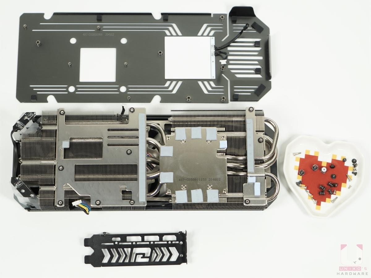 全部散熱器相關的零件拆解。