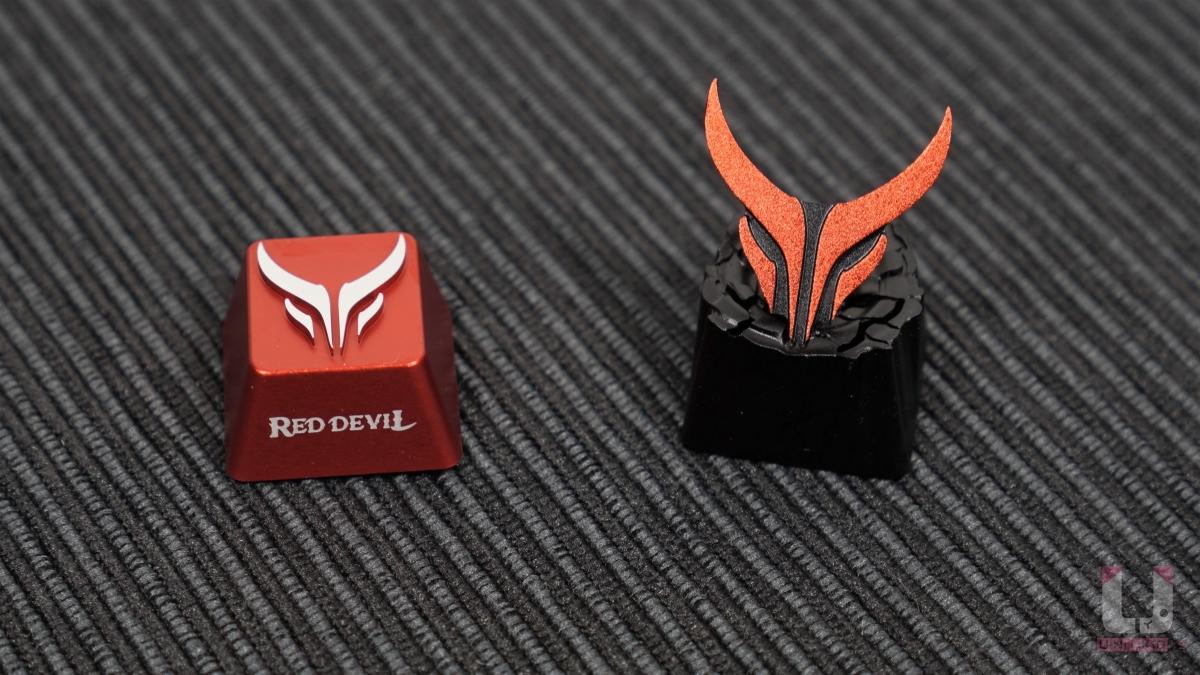 Red Devil RX 6800 XT 限量版附贈獨特訂製的紅魔鍵帽。