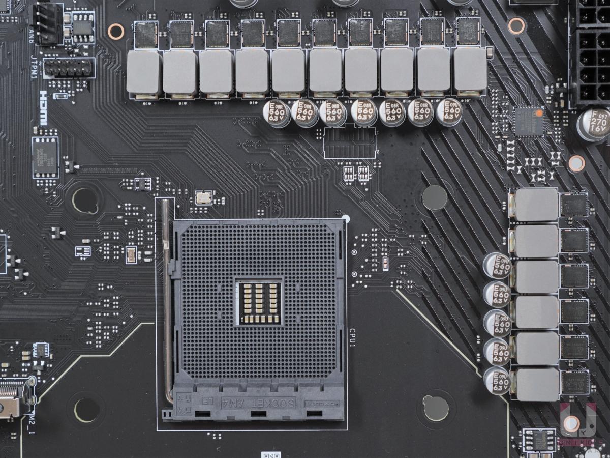CPU 14 + SoC 2 相真實相數供電。