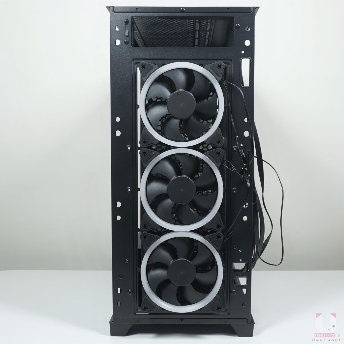 正面預先安裝好 3 顆 ARGB 風扇在外側,風扇也可以自行視需求安裝在機殼內側。