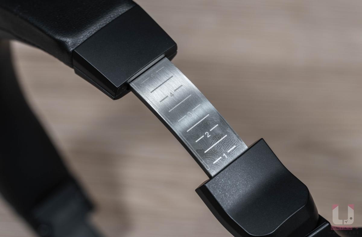調整彈性延續先前設計,提供五段式尺寸切換。