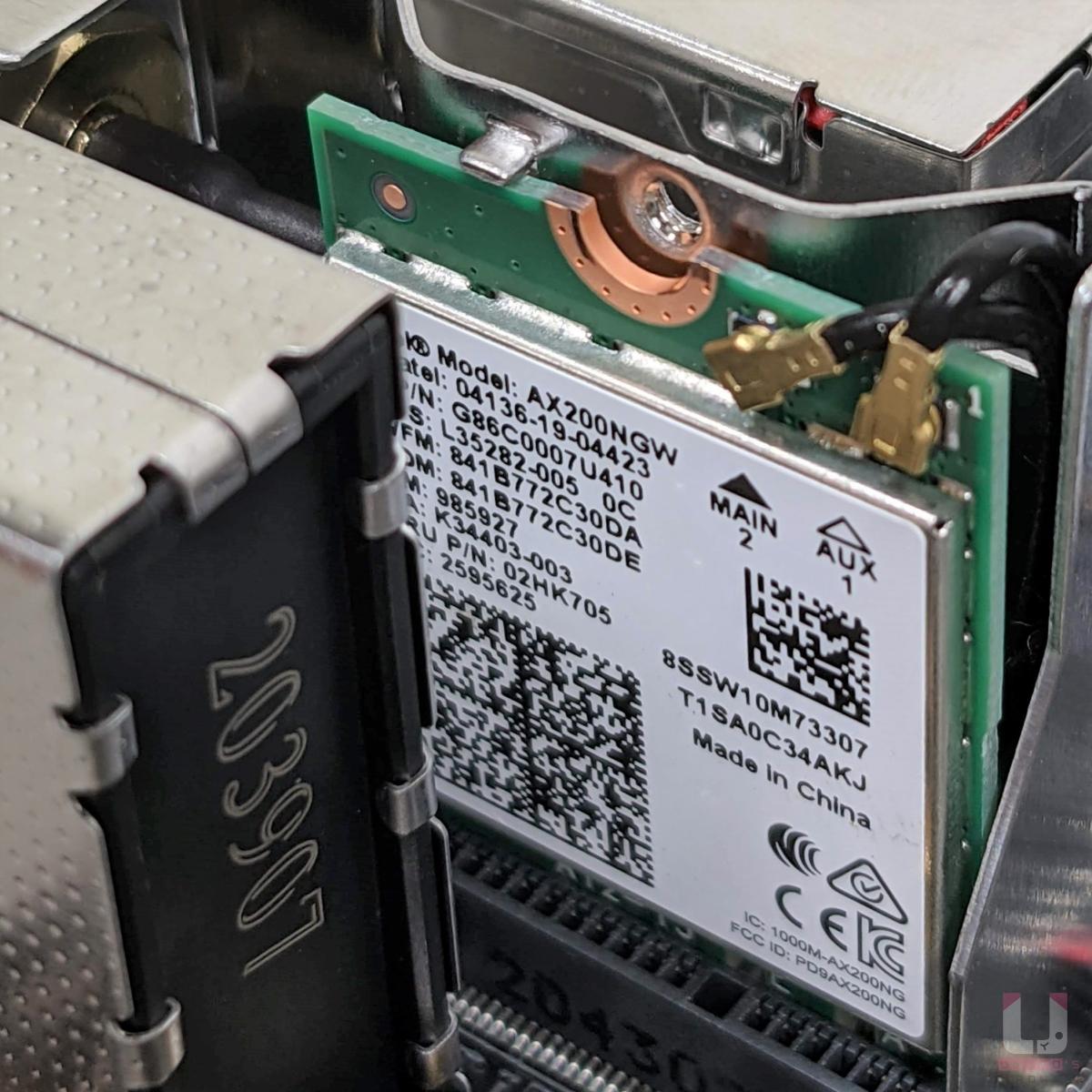 Intel Wi-Fi 6 AX200 無線網路。