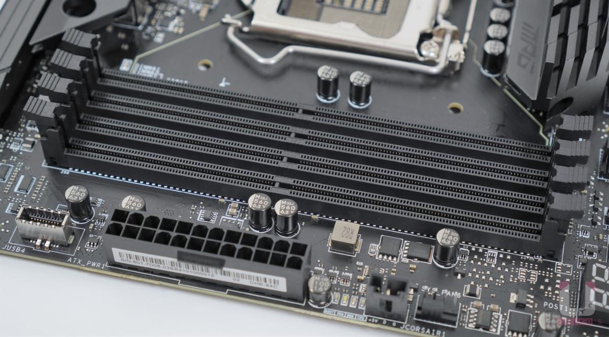 MSI 獨家的 DDR4 Boost,2-DIMM 支援雙通道記憶體,最大單條 32 GB,超頻最高可以 DDR4 5333+ MHz。