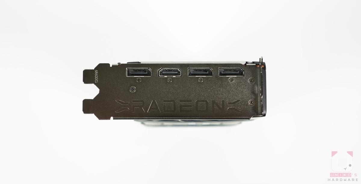 3 組 DP、1 組 HDMI。