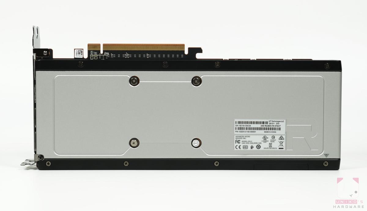 Radeon RX 6700 XT 背面。