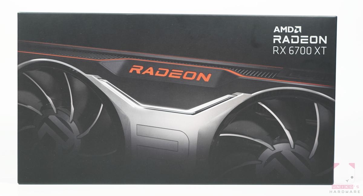 Radeon RX 6700 XT 包裝正面。
