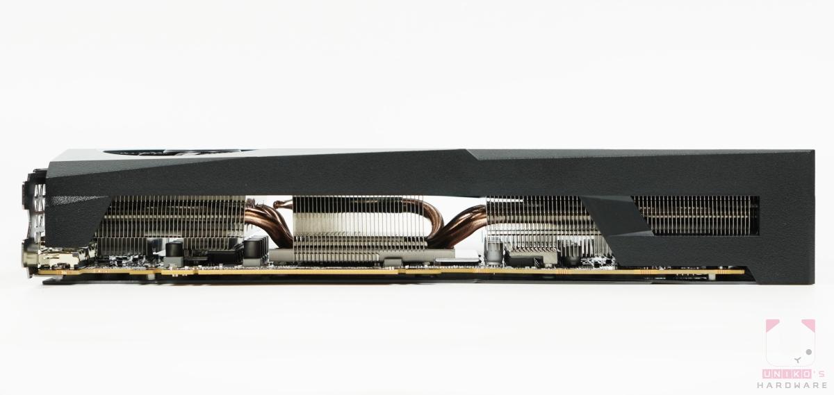 Radeon RX 6700 XT GAMING OC 12G 底部。