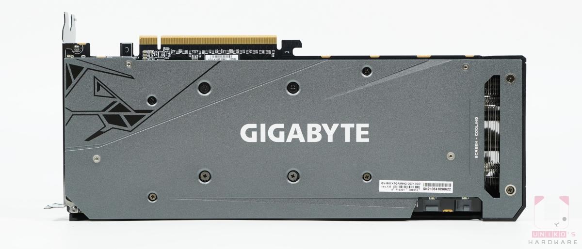 Radeon RX 6700 XT GAMING OC 12G 背面。