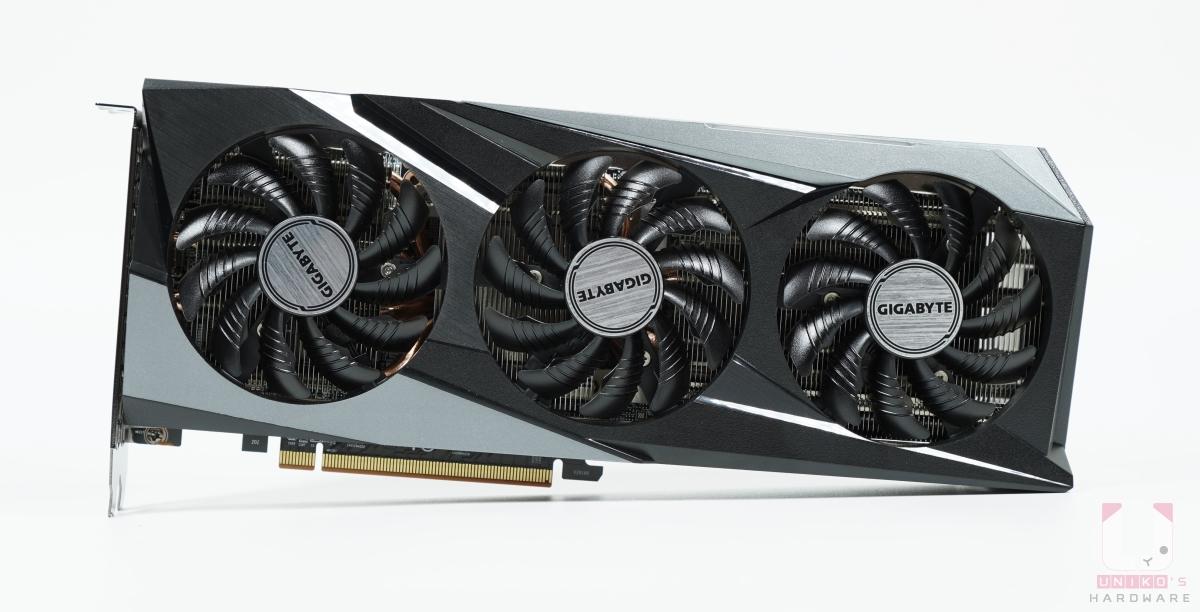 Radeon RX 6700 XT GAMING OC 12G 正面。