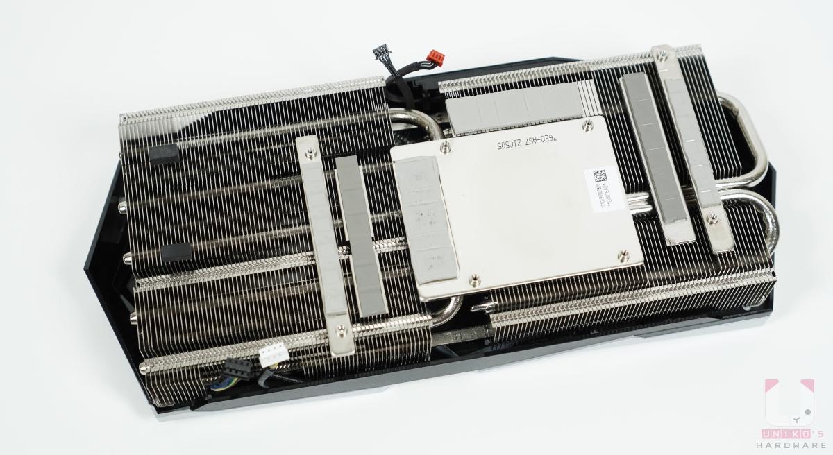 TWIN FROZR 8 散熱器。