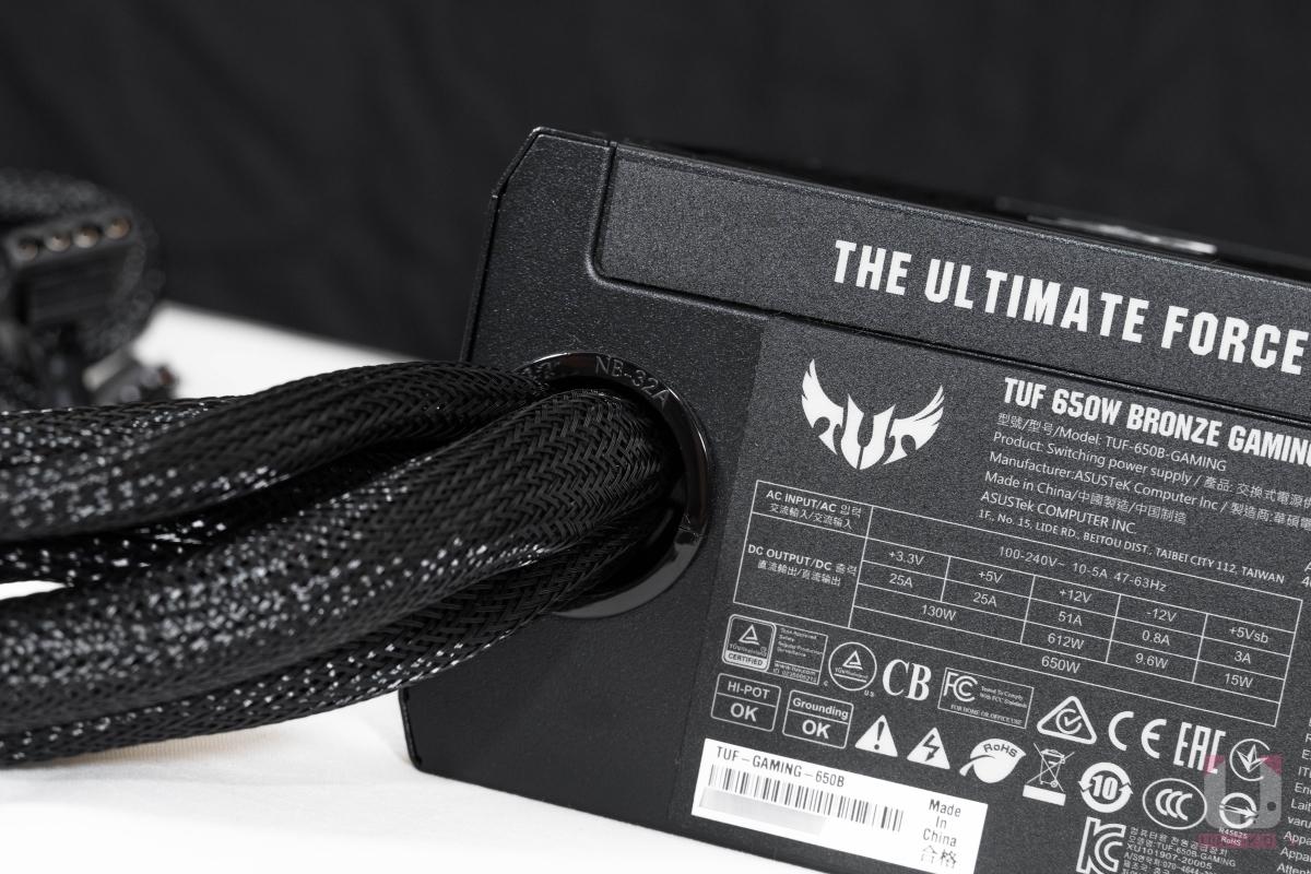 TUF Gaming 650W使用非模組化線材。