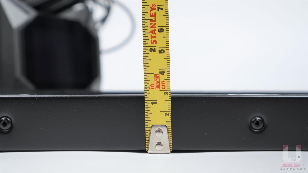 冷排厚度 27 mm。