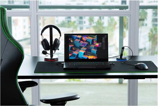新款 Razer Blade 15 Advanced Edition 筆記型電腦搭載 NVIDIA GeForce RTX 3070。Full HD 360Hz、100% sRGB、4.9mm 邊框,皆在出廠時完成調校。