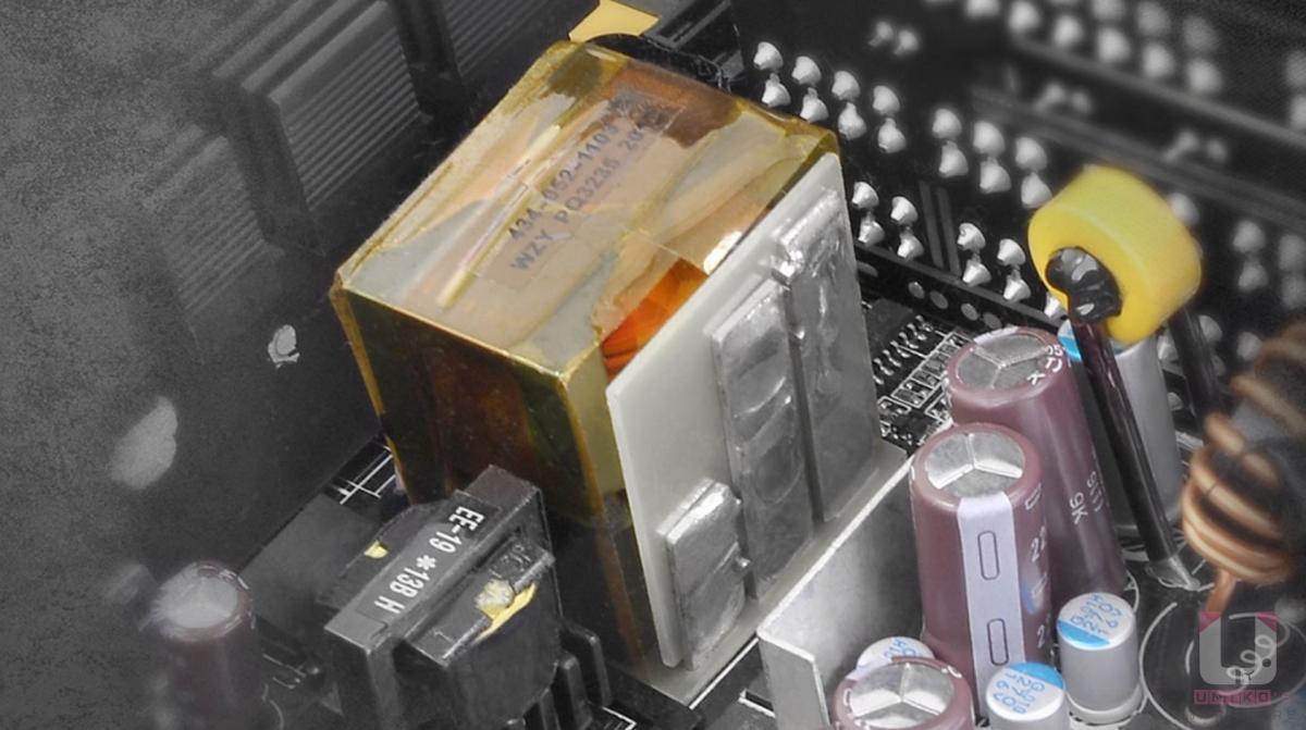 高電流單組 +12V 避免電路分配不佳影響效能問題。