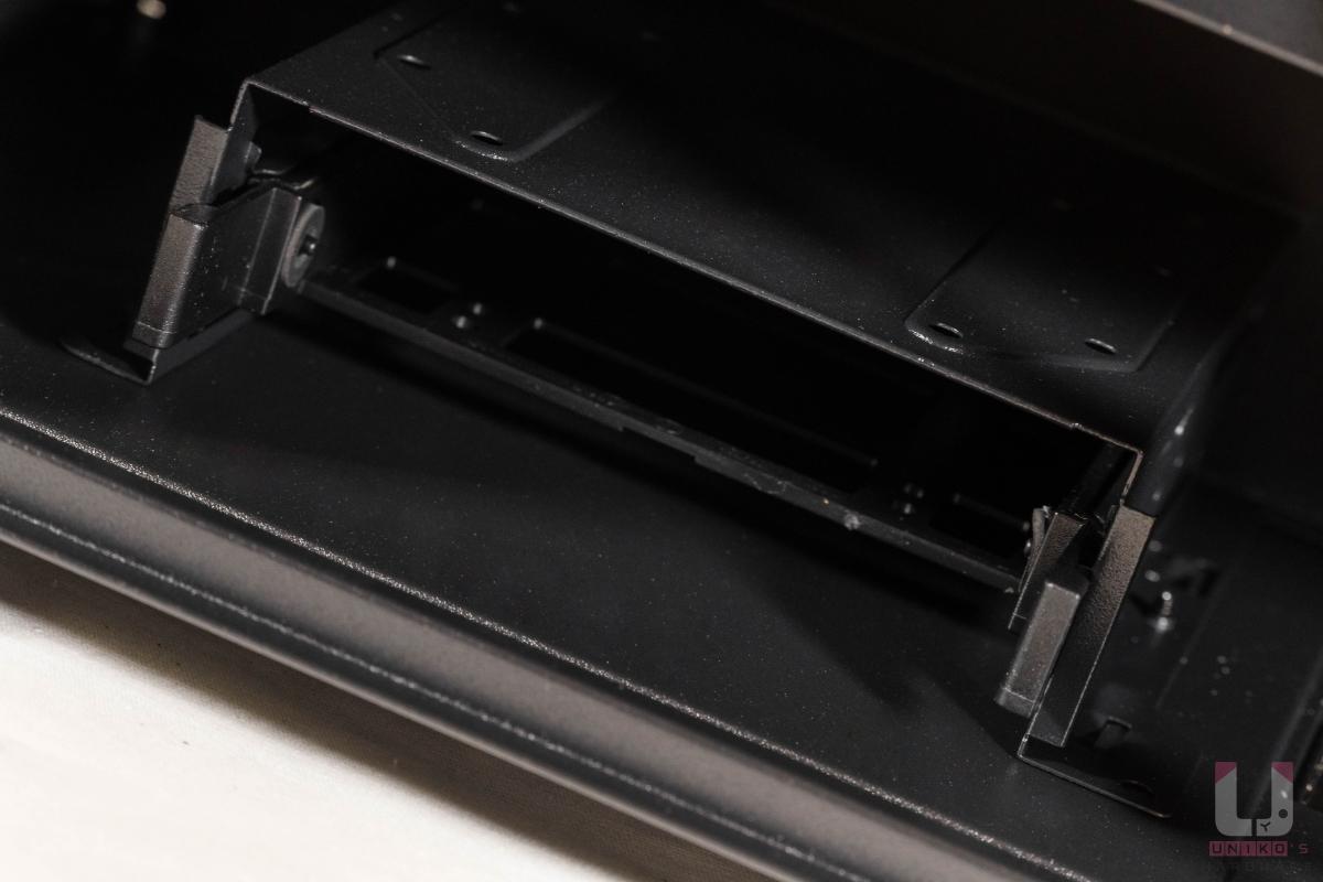 一組 HDD / SSD 快拆支架。