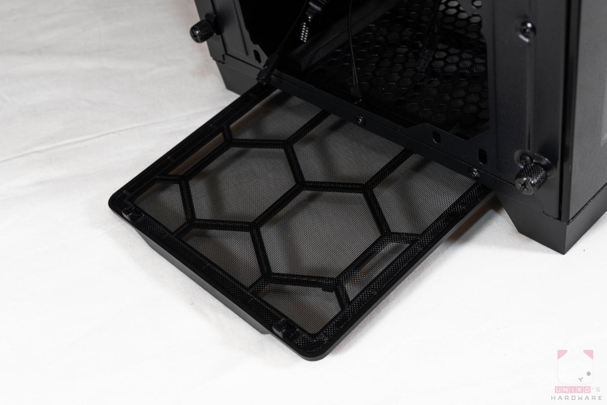 底部則是有抽取式的防塵濾網。