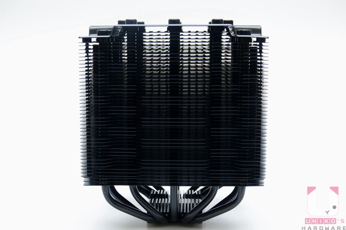 DARK ROCK PRO 4 散熱器本體。