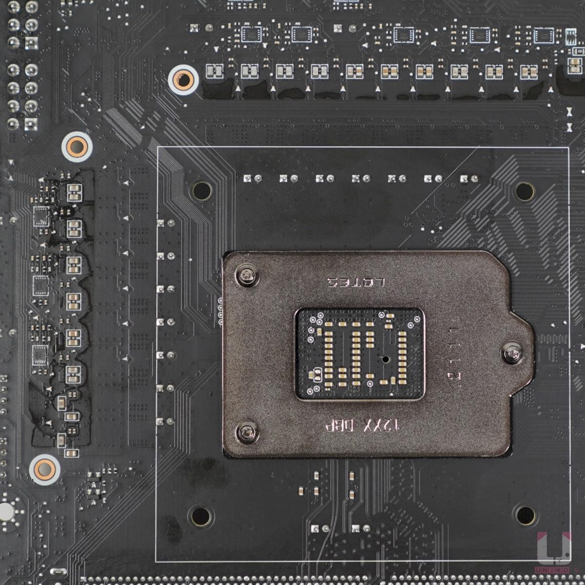 倍相器是 Renesas ISL6617A