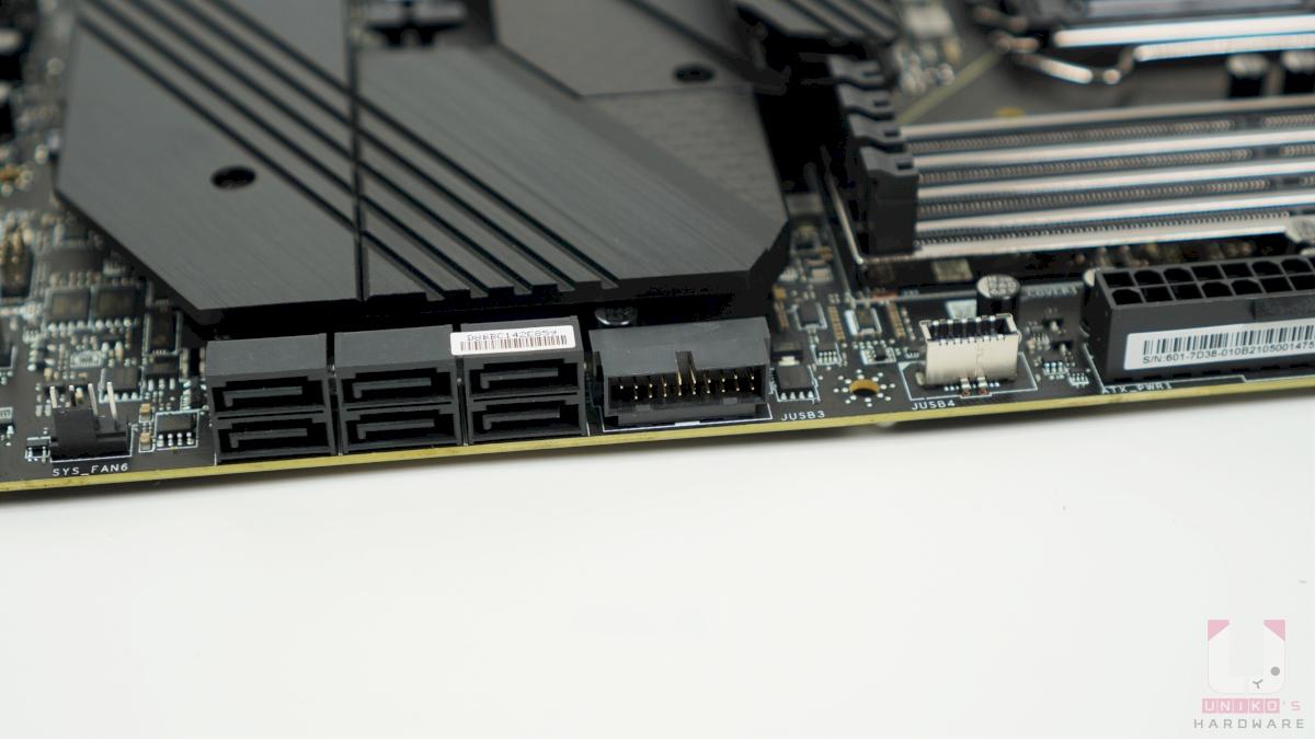 6 個 SATA 6Gb/s 連接埠