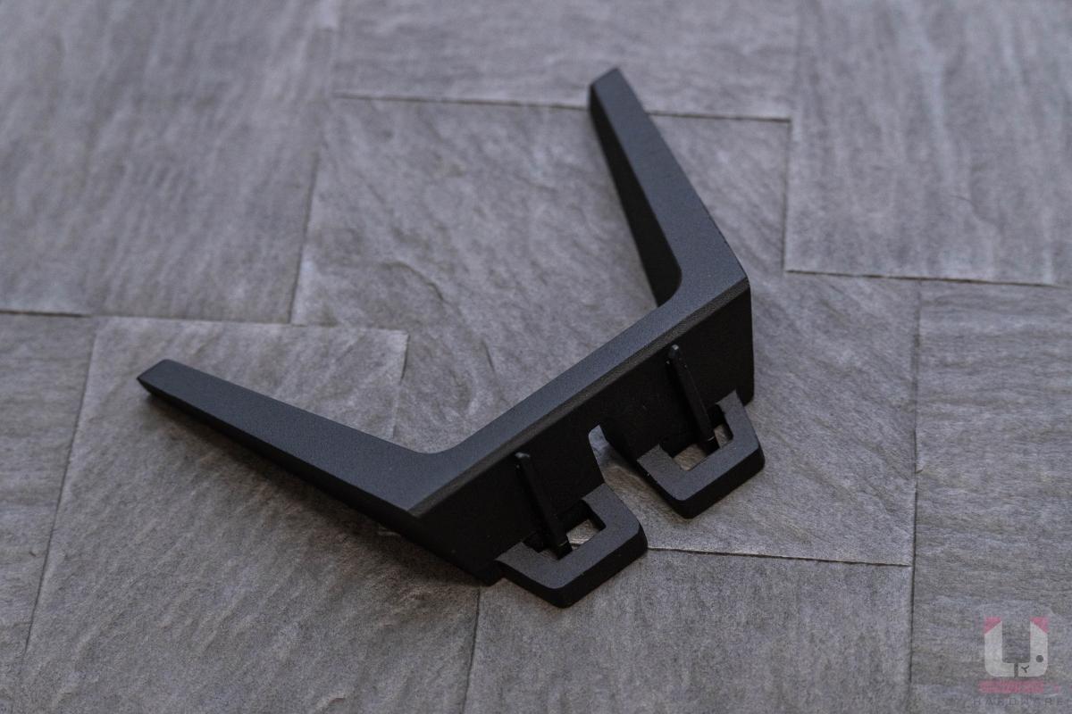 直立式腳架搭配充電座使用