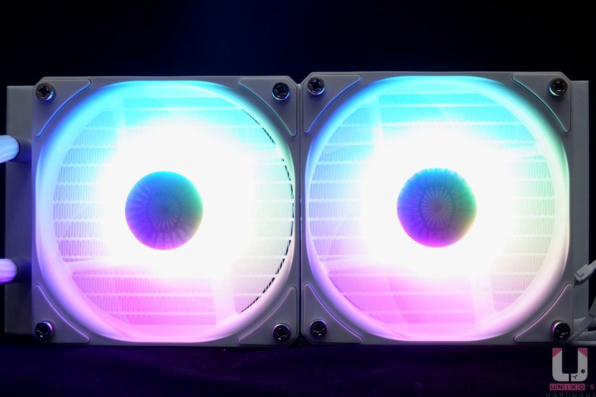 RGB 燈效展示,非常均勻。