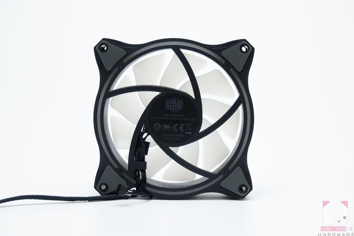 MasterFan MF120 Halo ARGB 風扇背面。