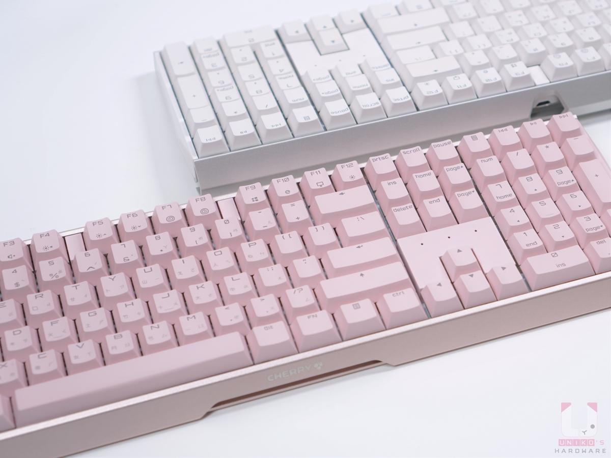 Cherry MX Board 3.0S RGB Pink 粉色與白色款式對比