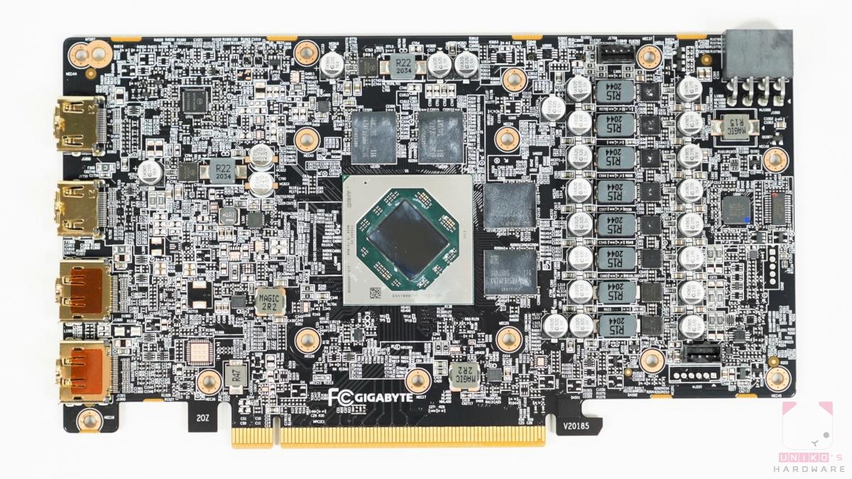 GIGABYTE Radeon RX 6600 XT GAMING OC 8G PCB 正面。