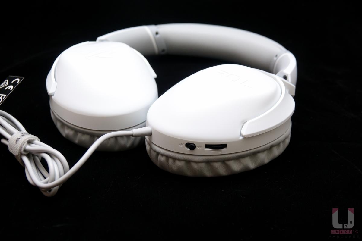 左耳罩上的音量滾輪以及靜音開關。